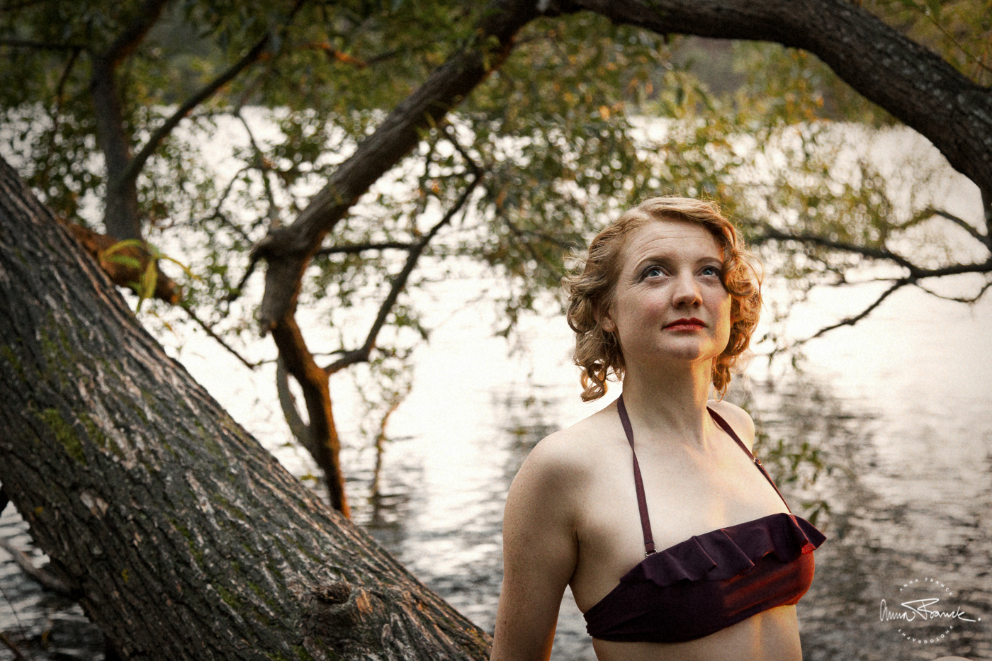 portrait, porträtt, muotokuva, vintage, pinup, oldfashioned, twenties, sunset, solnedgång, tjugotal, stockholm, tanto, bad, strand, beach, waterfront