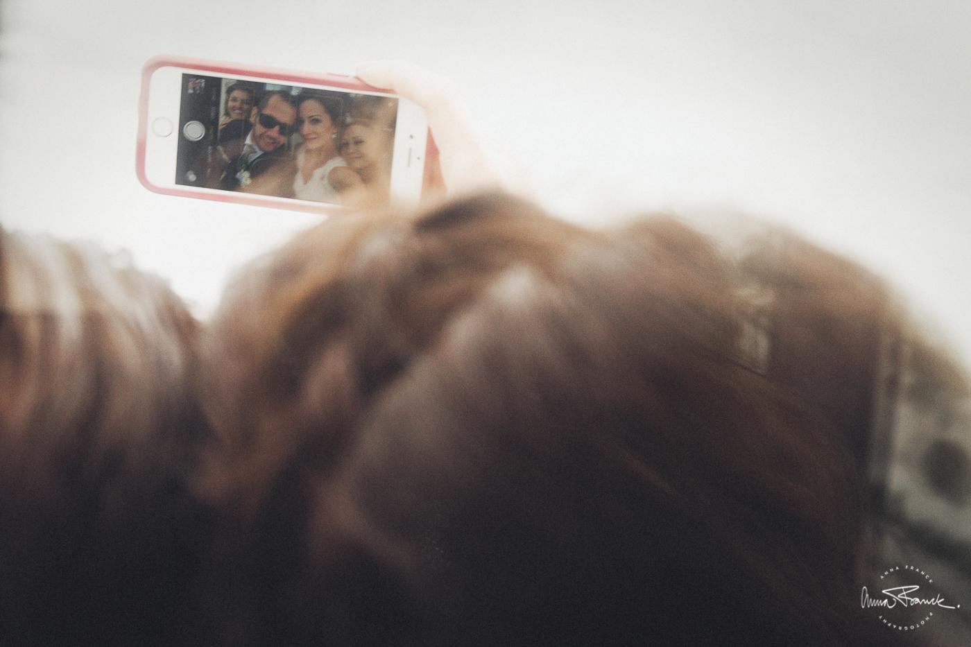 wedding, bröllop, häät, Nagu, Nauvo, Parainen, Pargas, Finland, Suomi, summer, kesä, sommar, natural, naturligt, vackert, avslappnat, relaxed, Finnish, dress, hääpuku, bröllopsklänning, bukett, kukat, flowers, porträtt, muotokuva, portraits, fotograf, stockholm